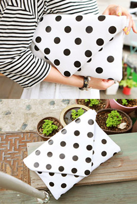 Dot letter clutch (Stock quaternary)