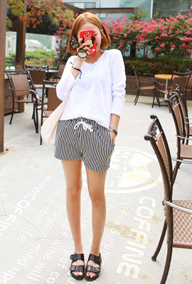 Striped banding short pants (stock of 83 cars)