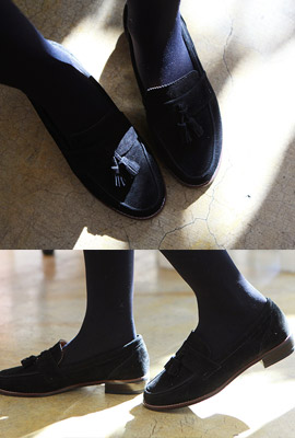Suede tassel loafers (secondary stock)