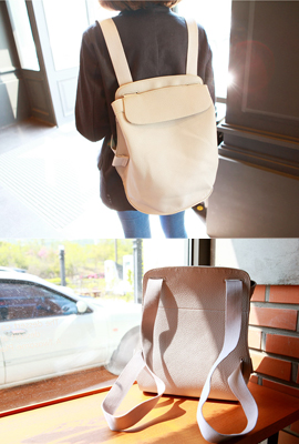 Simple leather backpack folds (3rd stock)