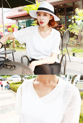 See-through knit V-neck tee (secondary stock)