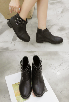 Strap-to-ankle boots (4th stock)