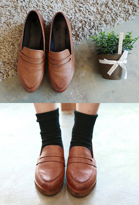 Wood-heeled penny loafers (7th stock)