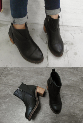 V-cut Ankle Boots (8th restocking)
