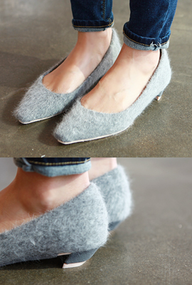 Pointed flat shoes fur (5th stock)