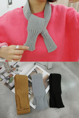 Simple knit scarf (5th stock)