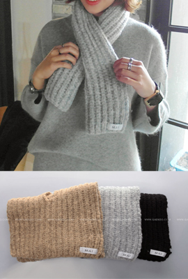 Simple weave knit scarf (stock 17 pieces)