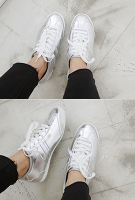 Two-Line Leather Sneakers (16th stock)