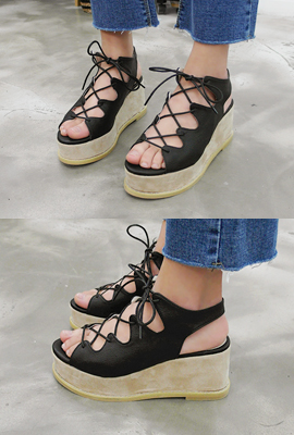 Lace-up wedge (4th restocking)
