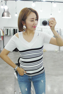 Shoulder teuim give Knit Tee (secondary stock)