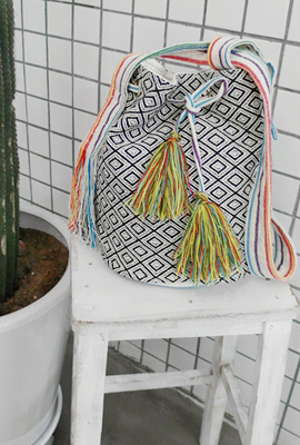Colored tassels mochil rabaek (HAND MADE)