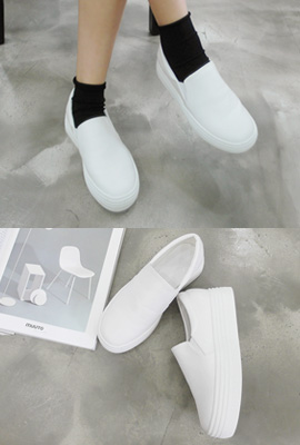 Basic Tongue Slip-on (7th stock)