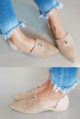 Ring Pendant pointed flat shoes