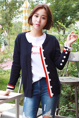 Line Appearance Button Cardigan (secondary stock)