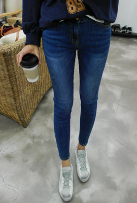 Tension wash skinny jeans (3rd stock)