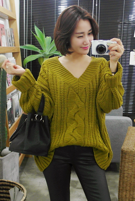 Pretzel loose knit V-neck Tea (13 tea stock)