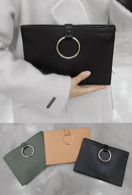 Circle circle leather clutch (secondary stock)