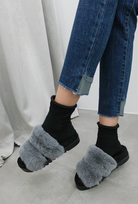 Real rabbit fur strap slippers (secondary stock)