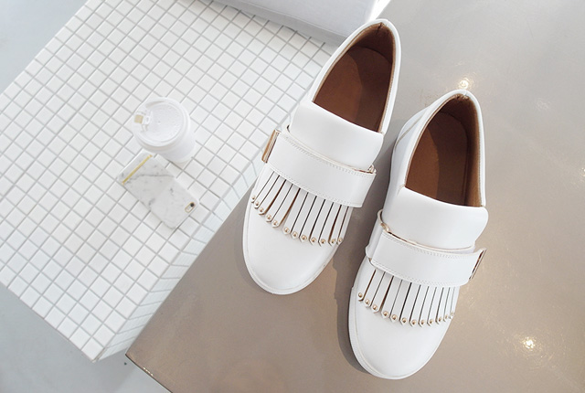 Mini stud fringe slip-on (stock 15)