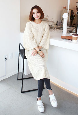 Long loose knit tee hajji