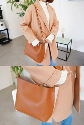 Color leather shoulder bag