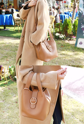 Gold ring strap tote bag (secondary stock)