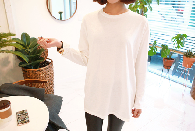 Round simple long-sleeved tee (32 cars in stock)