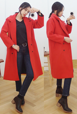 Wide collar, double-quilted wool coat