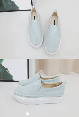 Suede slip-on tonggup
