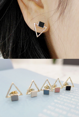 Tri leather square earrings (Stock 7th)