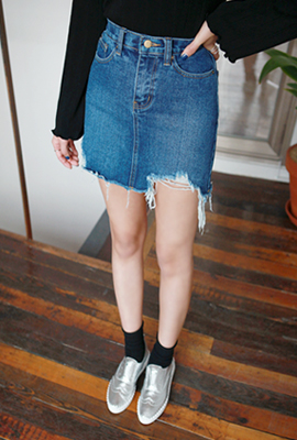 Vintage cut denim skirt (9 car stock)