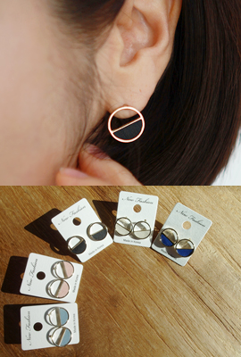 Half colored circle earrings (secondary stock)