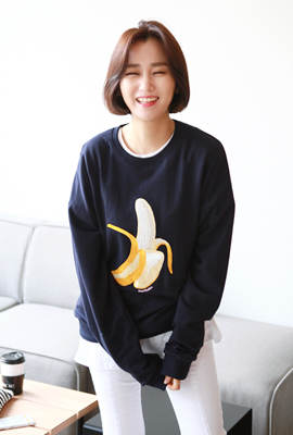 One on one banana embroidered tee (secondary stock)