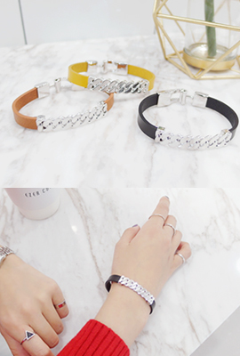 Metal chain leather bracelet