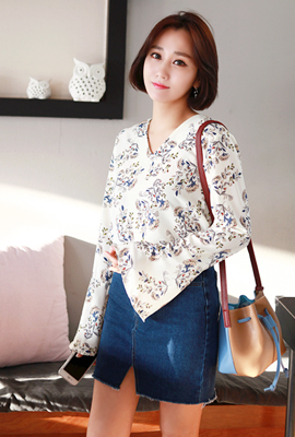 Flower Bell sleeve blouse