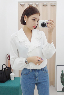 Line ruffle blouse (secondary stock)
