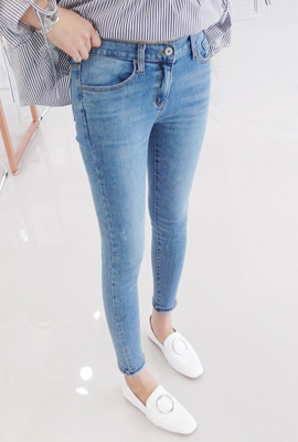 Normal wash skinny jeans (secondary stock)