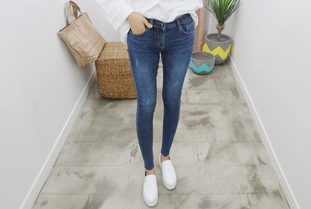 Three Scratch Washing Skinny Jeans (96th stock)