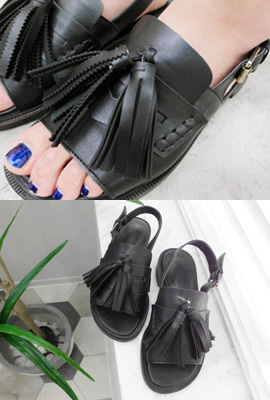 Leather tassel sandals (second stock)