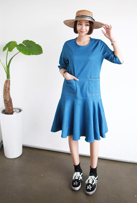 Two pockets flare denim dress