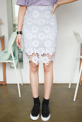 Flower lace midi skirt