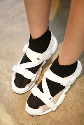 Buckle strap sneakers
