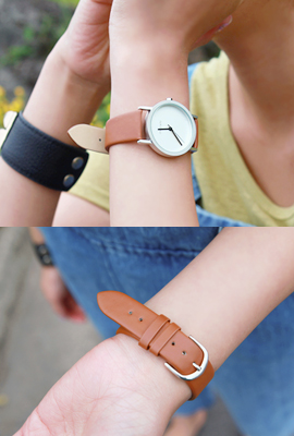 Round Leather Watch (2nd stock)