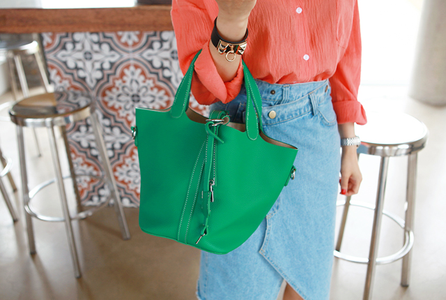 Lock Leather Shoulder Bag