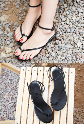 Pearl strap sandals (second stock)