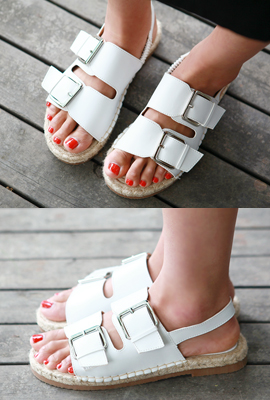 Leather buckle straw sandals