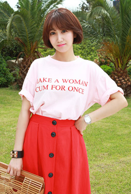 Woman lettering short sleeve tee (second stock)