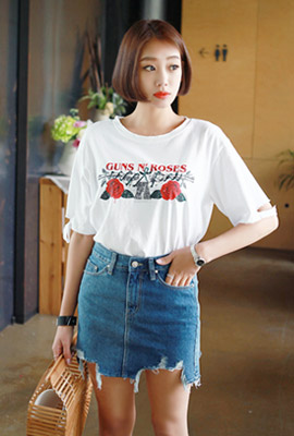 Rose illustration cutting short sleeve tee