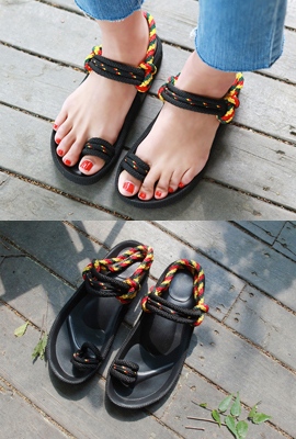 Color Twisted Strap Sandals