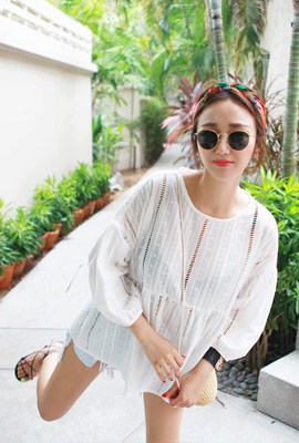 Punching lace blouse (4th stock)